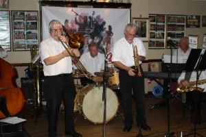 Bob Dwyer's Bits & Pieces at Farnborough Jazz Club 25Sep2015. Bob (pic) -trombone, Max Emmons (pic) trumpet, John Lee (reeds), Hugh Crozier (piano), John Baine (d.bass &bass sax), Chris Marchant (pic) drums & guest Burt Butler (banjo).